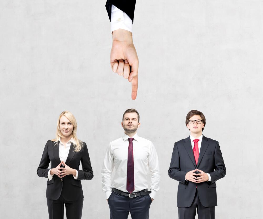Mnoho zaměstnavatelů dává přednost mužům okolo 30. Nemají závazky a jsou flexibilní